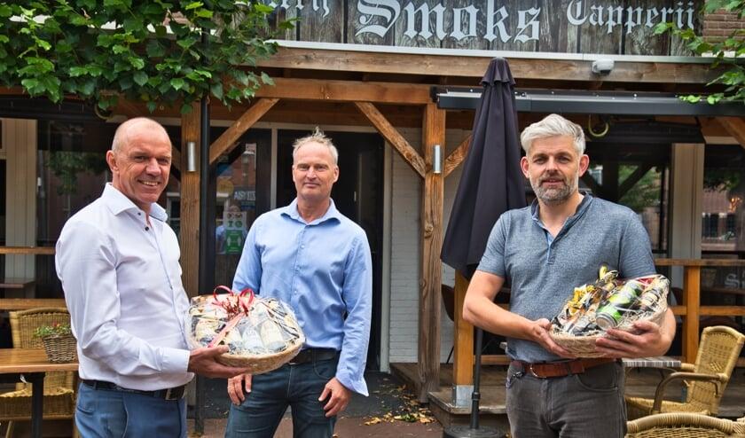 Ruud Weijers (l.) en Ron Schoppers (r.) samen met Gerbert Tiecken. Foto: Clubfotograaf ZZC '20/Gerrie Evers