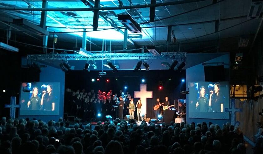 Een project waar ZSOM van haar aandeel in heeft. The Passion Lichtenvoorde met op de schermen de beelden van hetgeen er op het podium of buiten gebeurt. Foto: PR