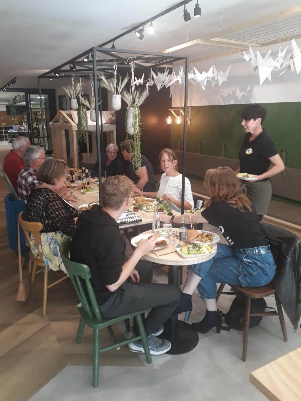 Maandelijks kan iedereen deelnemen aan Samen Eten. Foto: eigen foto  © Achterhoek Nieuws b.v.