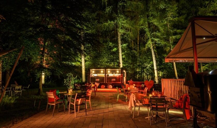 Vanaf vrijdag 17 juli kan men lekker loungen in het Ruurlose bos bij De Heikamp. Foto: Casper Meenink
