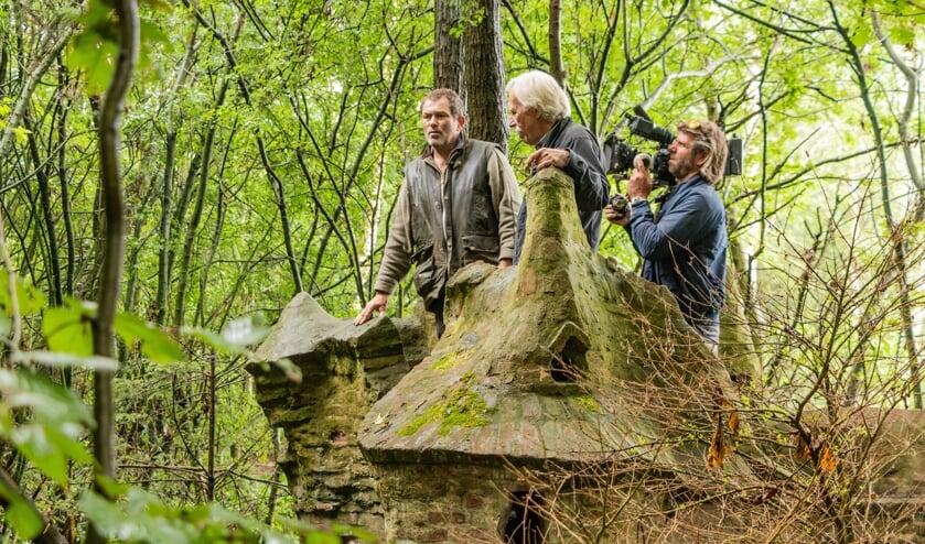 Op een verscholen plek in Zutphen werkte Eco in de jaren negentig aan een bijzondere botanische tuin. Rond de tuin bouwde hij Anton-Pieckachtige kasteeltjes. De 'Eco-kathedraal' genoemd. Foto: Henk Derksen