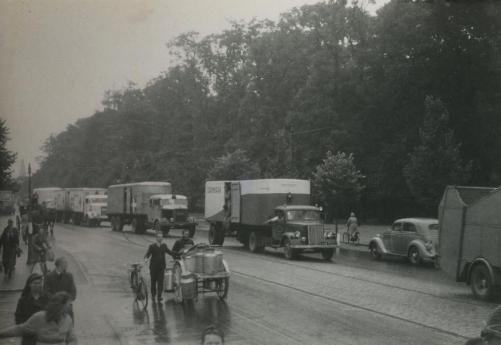 Transport met koelwagens naar Scandinavië, 1945, Beeldbank WO2, Libertum.  © Achterhoek Nieuws b.v.
