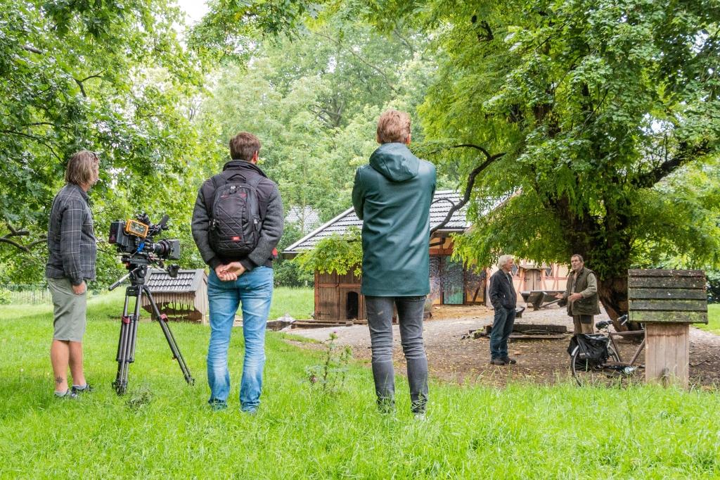 Afgelopen week werd het leven van 'typische' Zutphenees Eco Teunissen gefilmd. Foto: Henk Derksen  © Achterhoek Nieuws b.v.