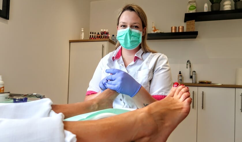 Nena Maalderink is in Hengelo begonnen met Pedicuresalon Achterhoek. Foto: Luuk Stam
