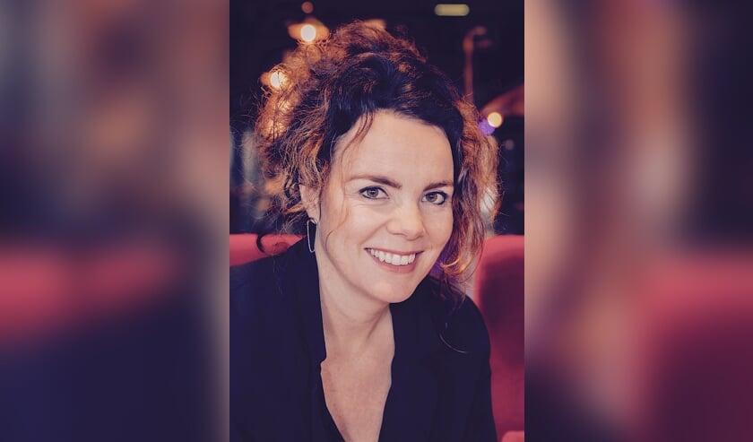 Mirjam Radstake, directeur/programmeur van Schouwburg Lochem zal bij Theater Hanzehof zich bezig gaan houden met het programmeren van de theaterzaal. Foto: PR