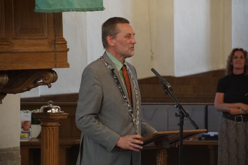 Burgemeester Anton Stapelkamp aan het woord. Foto: Frank Vinkenvleugel  © Achterhoek Nieuws b.v.