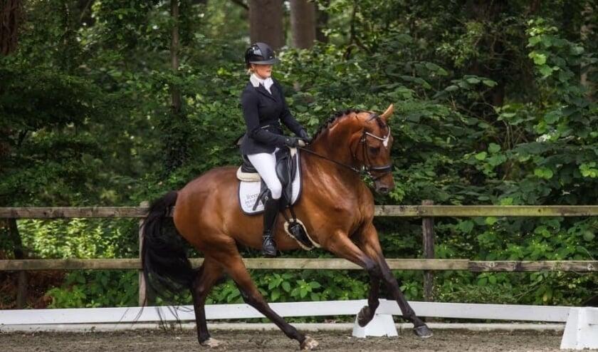 Najama Voogd met haar paard Kunz. (Eigen foto)