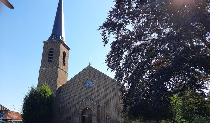 In de kerk in Vragender komen 9 wooneenheden en daar is niet iedereen even gelukkig mee. Foto: Kyra Broshuis