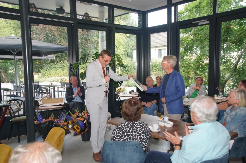 Burgemeester Stapelkamp tijdens de uitreiking van de prijzen. Foto: Frank Vinkenvleugel  © Achterhoek Nieuws b.v.