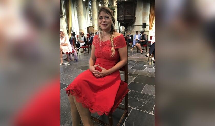 Lisa Westerveld woonde in de Grote Kerk de troonrede van koning Willem-Alexander bij. 'Het is wel een heel bijzonder moment om hierbij aanwezig te kunnen zijn'. Foto: Léonie Sazias