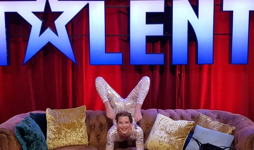 Iris Jaspers voor haar optreden bij het tv-programma Holland's Got Talent waar ze doorging naar de volgende ronde. Foto: Karen Trotter