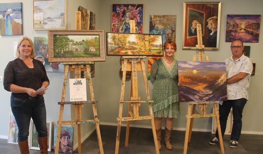 Van links naar rechts:  Esmeralda Jonkers 1e prijs publiek, Regina Grevink, 2e prijs en Bart Borkent-Dekker 3e prijs. Foto: Lineke Voltman