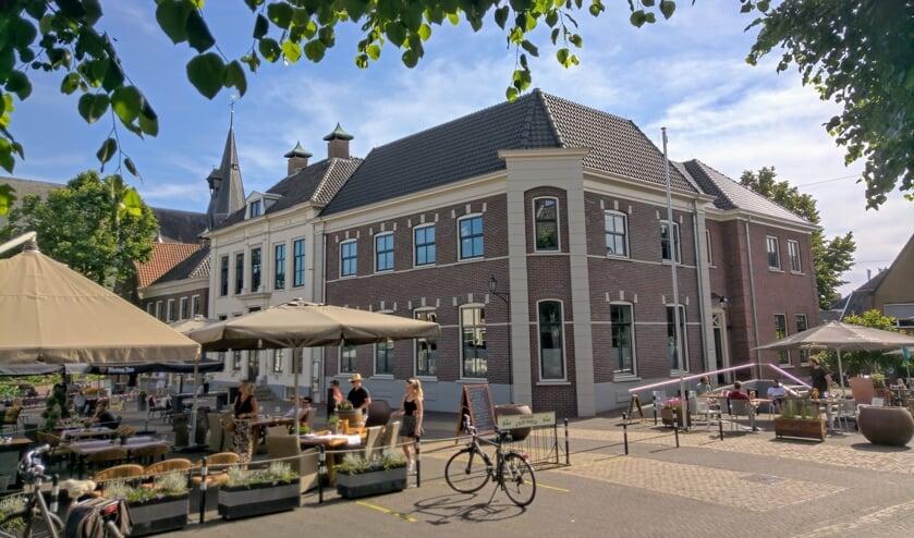 De verruimde terrassen op de Markt. Foto: D66