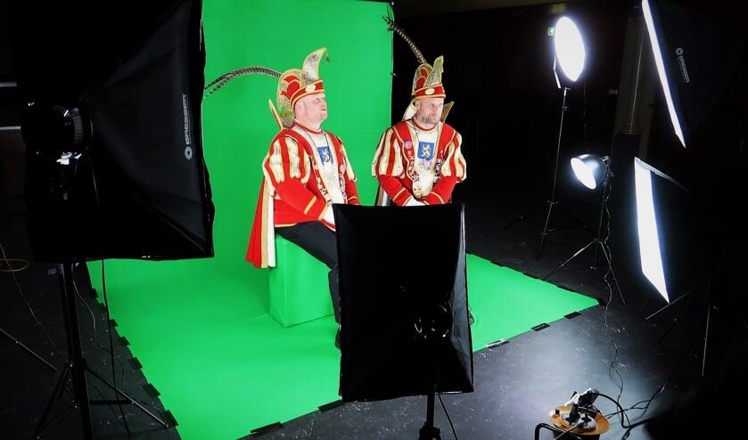 De opnames van prins Edwin II en adjudant Robby ten behoeve van KNUNNEKES.TV. Foto: Theo Huijskes