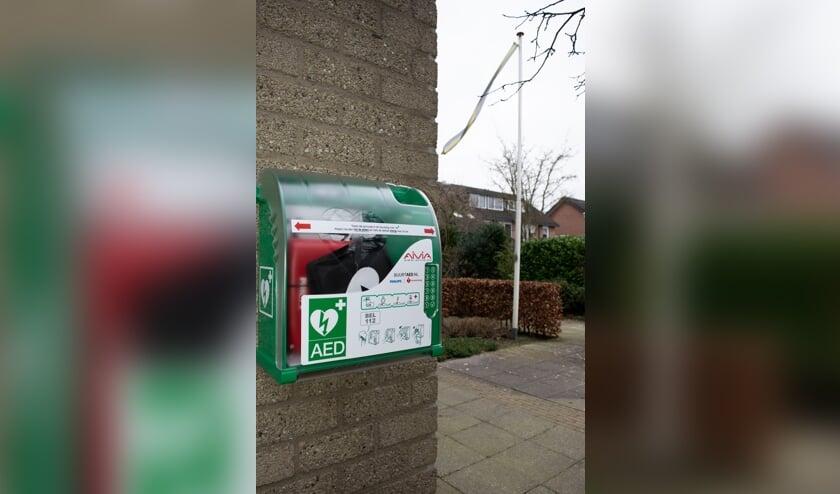 <p>De AED aan de Weerdslag 108 is beschikbaar. Foto: PR</p>