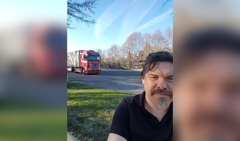 Henri Toonk met zijn vrachtwagen in de buurt van Ardèche. Eigen foto