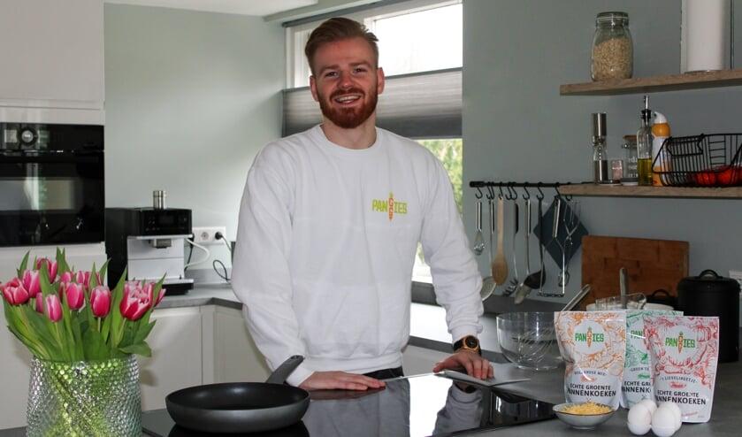 <p>Jorik Roodink is de trotse eigenaar van eenmansbedrijf Panggies. Hij produceert en levert onder deze naam drie verschillende mixen voor gezonde groentepannenkoeken.</p>