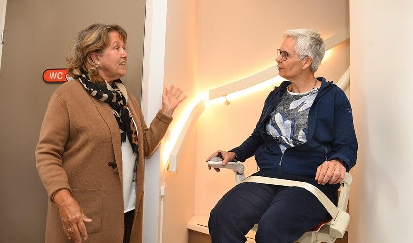 Mariët Kooijmans (links) en Andrea Kuijpers. Foto: Roel Kleinpenning