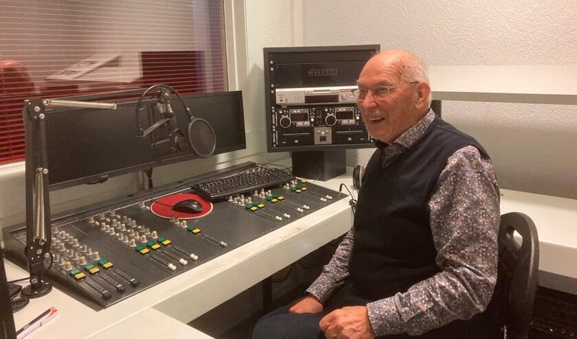<p>Gerbert Abbink in de studio. Foto: Mirjam Rensink</p>