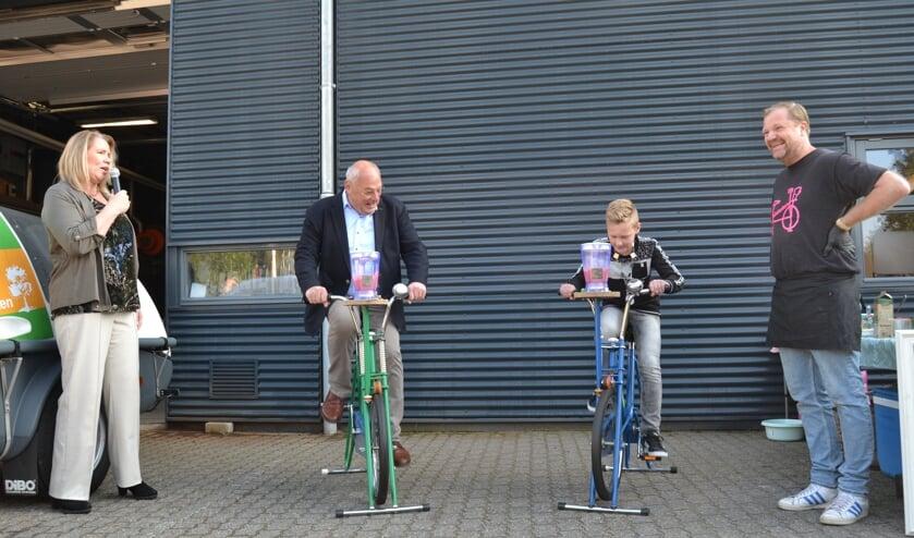 Kinderburgemeester Jurre Tadema en wethouder Martin Veldhuizen openen de Duurzaamheidsdag. Foto: Karin Stronks