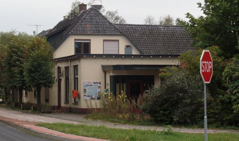 <p>Buurschap Medler raakt na 137 jaar &#39;t Wapen van &#39;t Medler kwijt. &nbsp;Foto: Jan Hendriksen.</p>