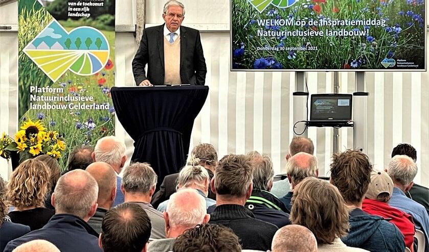 Oud-landbouwminister Cees Veerman tijdens zijn rede voor het Platform Natuurinclusieve Landbouw Gelderland. Foto: Henri Bruntink