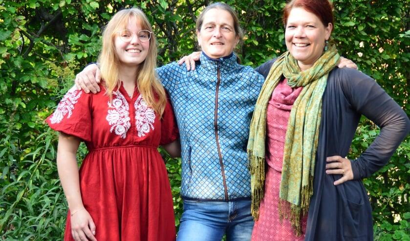 <p>Oprichters van de nieuwe vrijeschool Auryn, Marleen de Wit, Saskia Spliet en Marie van Overbeeke. Foto: Alize Hillebrink</p>