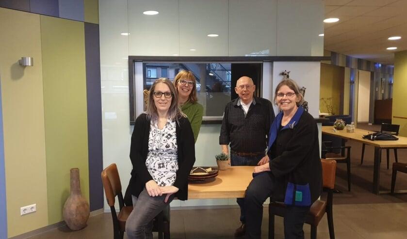 <p>V.l.n.r.: Samantha Sloetjes, Anja Kuiken, Frans van Uem en Heleen Buijs. Foto: Samantha Sloetjes</p>