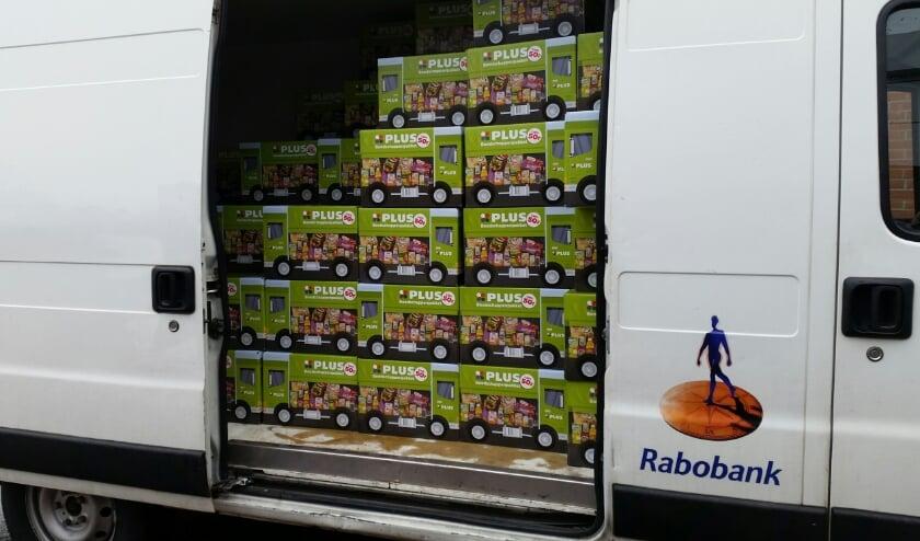 Een bus vol pakketten. Foto: PR