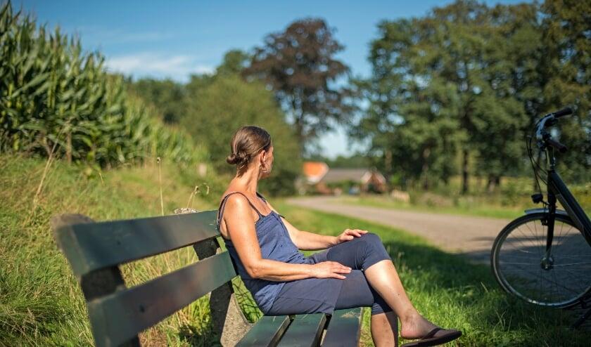 Even uitrusten in het buitengebied van  Winterswijk. Foto: PR AWLO