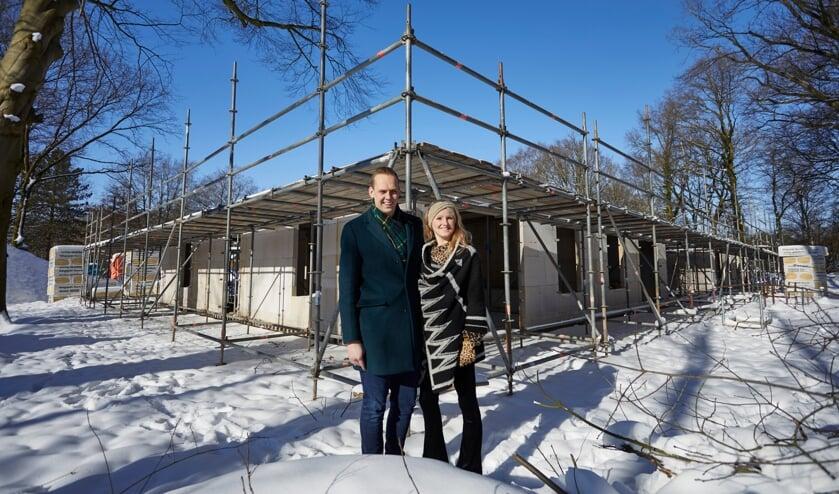 <p>Bram en Anouk Sprey beginnen op landgoed De Wientjesvoort Hoeve Sprey, een woonlocatie voor jongvolwassenen met een verstandelijke beperking. Foto: Arjan Gotink</p>