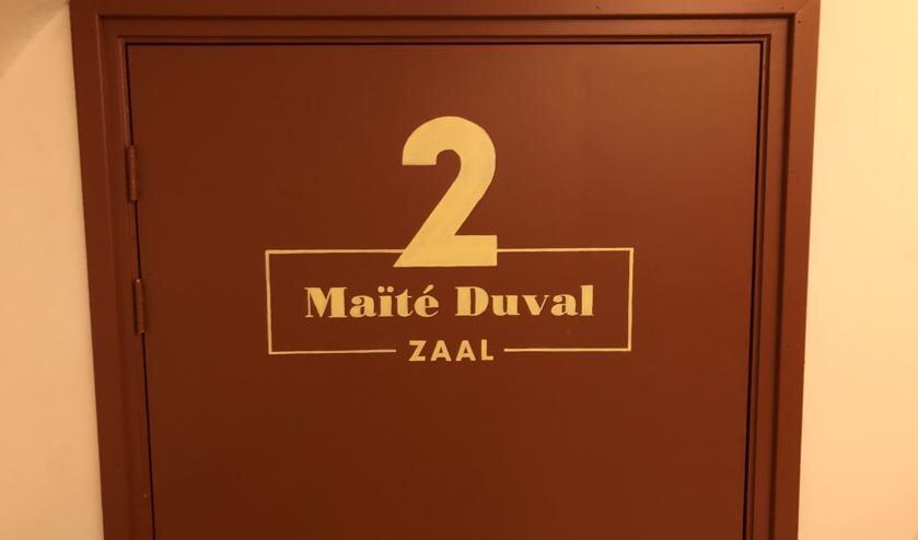 <p>De deur van de onlangs gerealiseerde Ma&iuml;t&eacute; Duval-zaal. Foto: PR</p>