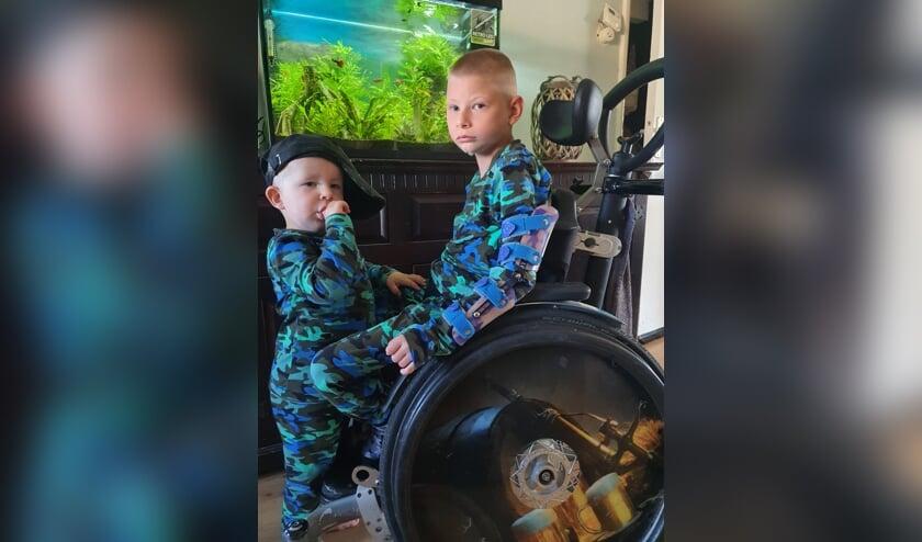 De zorgbroertjes Jayden en Keano van Malsen, waar zus Amanda een crowdfundingsactie voor heeft opgezet. Eigen foto