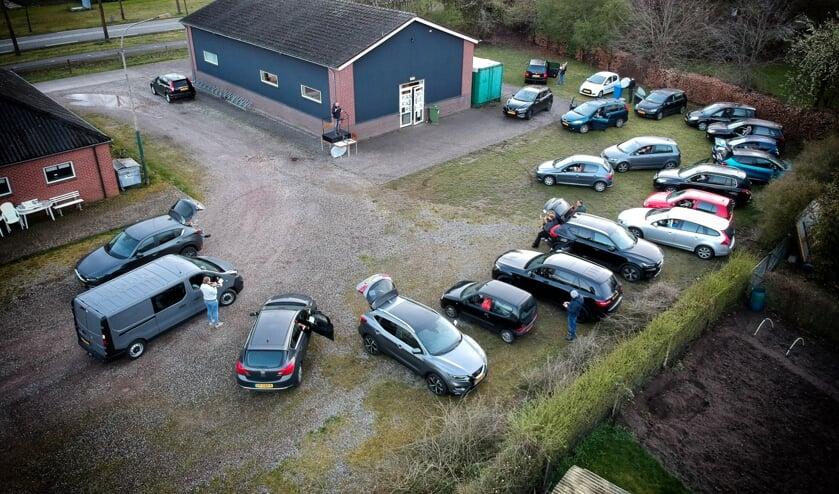 <p>De fanfare drive-in van Eendracht Aalten. Foto: Mathijs Roelofsen</p>