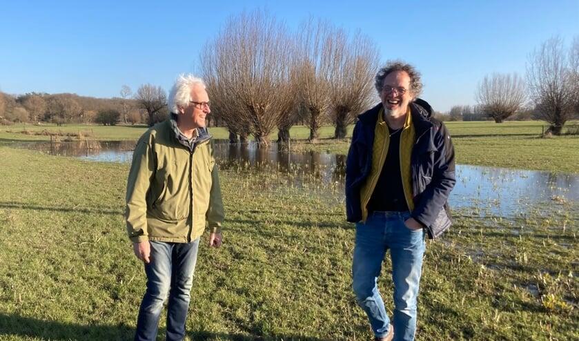 <p>Rudy Volbeda (l.) en Egbert Oldenboom, de auteurs van het boek. Foto: PR</p>