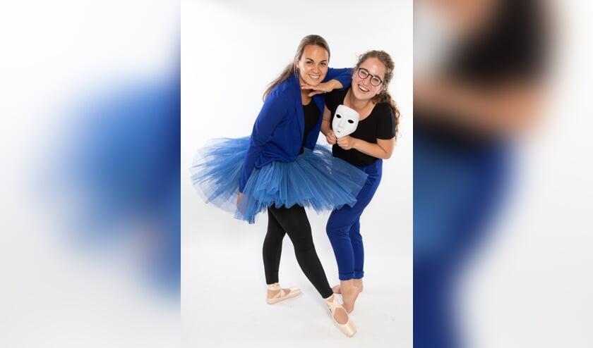 <p>Lidy (links) en Amber van Danth&eacute;. Foto: Carolien Tesselhof</p>