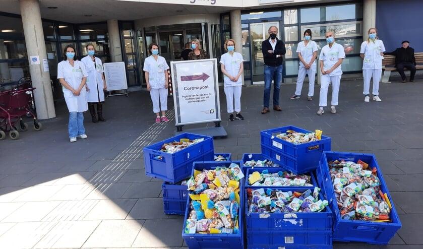 <p>Kratten vol paaseitjes voor het SKB, aangeboden door Rotary Achterhoek Oost. Foto: Kyra Broshuis</p>