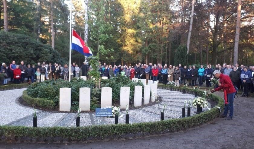 <p>Bij de herdenking in 2019 was het druk op de Algemene Begraafplaats. Foto: PR</p>