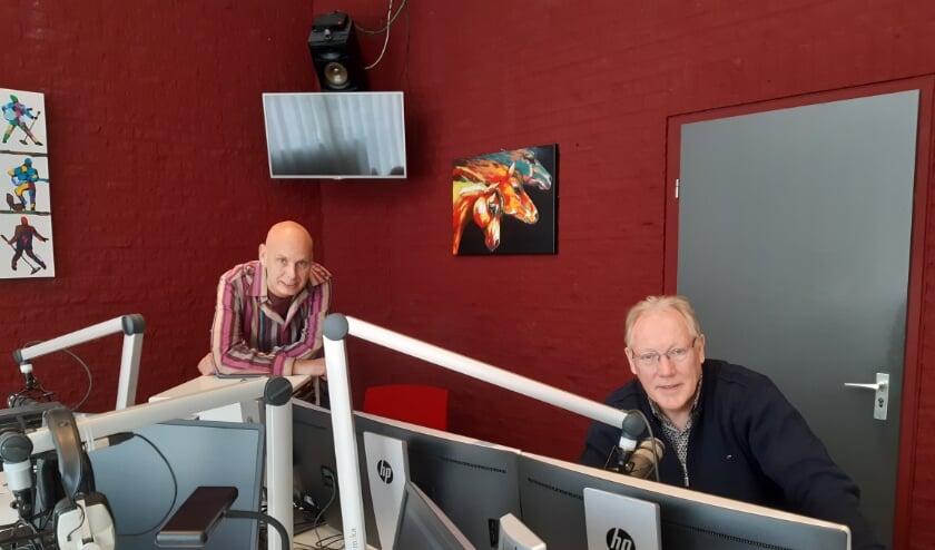 Gerben Grooten (links), directeur Boogie Woogie en Geert Krosenbrink, programmaleider radio bij RTV Slingeland. Foto: PR