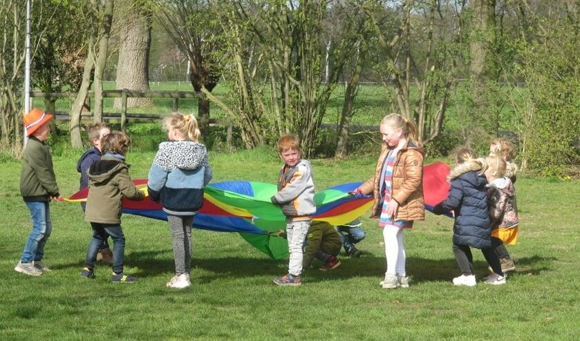 <p>De leerlingen van De Driesprong vermaakten zich opperbest met de Koningsspelen. Foto: PR&nbsp;</p>