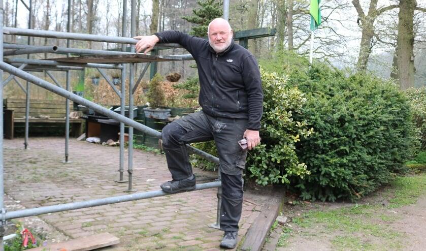 <p>Peter heeft de actie in de steigers gezet. Foto: Arjen Dieperink</p>