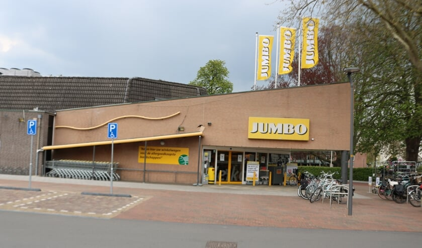 <p>De Jumbo in Lochem vergaande plannen om het pand te verbouwen. Foto: Arjen Dieperink</p>