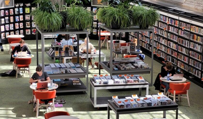 <p>Scholieren kunnen &rsquo;s middags terecht in de bibliotheken van Zutphen, Lochem en Warnsveld om rustig te studeren. Foto: PR</p>