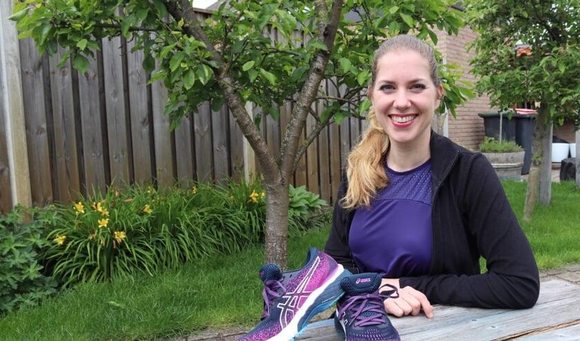 <p>Willeke Hammink is volop in training voor de halve marathon. Ze probeert daarmee zo veel mogelijk geld op te halen voor haar vriend Daniël, die een dwarslaesie opliep bij een motorongeluk. Foto: Gerwin Nijkamp</p>