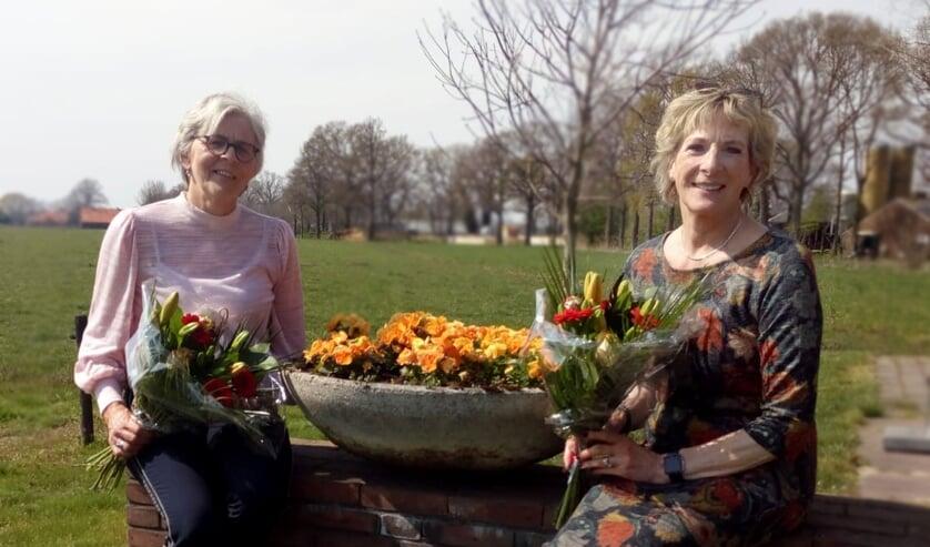 <p>Vrijwilligers Ria Hulshof (links) en Nel Flipse uit Oost Gelre zetten zich al 12,5 jaar in voor jonge gezinnen als Home-Start vrijwilliger. Foto: Home-Start</p>