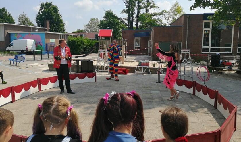 Circus Bolalou had speciaal voor de onder-, midden- en bovenbouw groepen drie unieke voorstellingen samengesteld. Foto: PR.