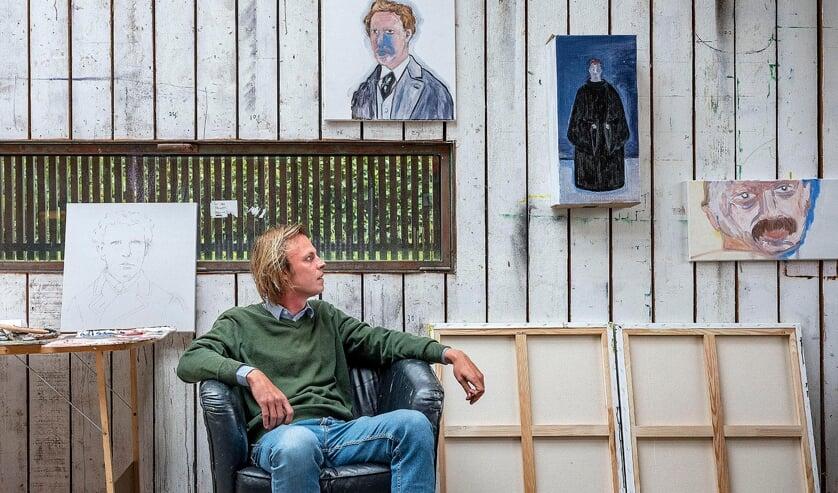 Jonah Falke in het atelier in Zundert. Foto: Hans de Beukelaer