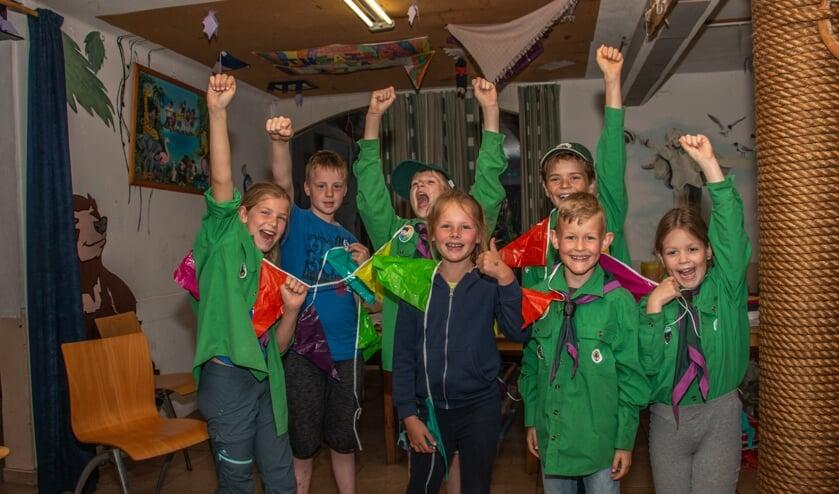 <p>De welpen van Scouting Sweder van Voorst in Hummelo zijn blij met een derde plek! Foto: Liesbeth Spaansen</p>