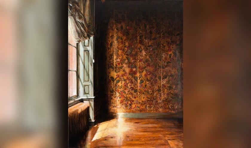 <p>Werk van Mara van Laaren &#39;Goudleerbehang 2019 olieverf op doek&#39; in Museum Henriette Polak. Foto: PR</p>