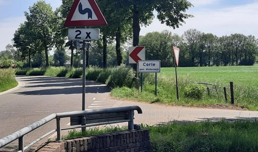<p>De gemeente Winterswijk wil met het vrachtwagenverbod de kern van Corle ontzien. De gemeente Oost Gelre stemt niet in met het verzoek. Foto: Kyra Broshuis</p>